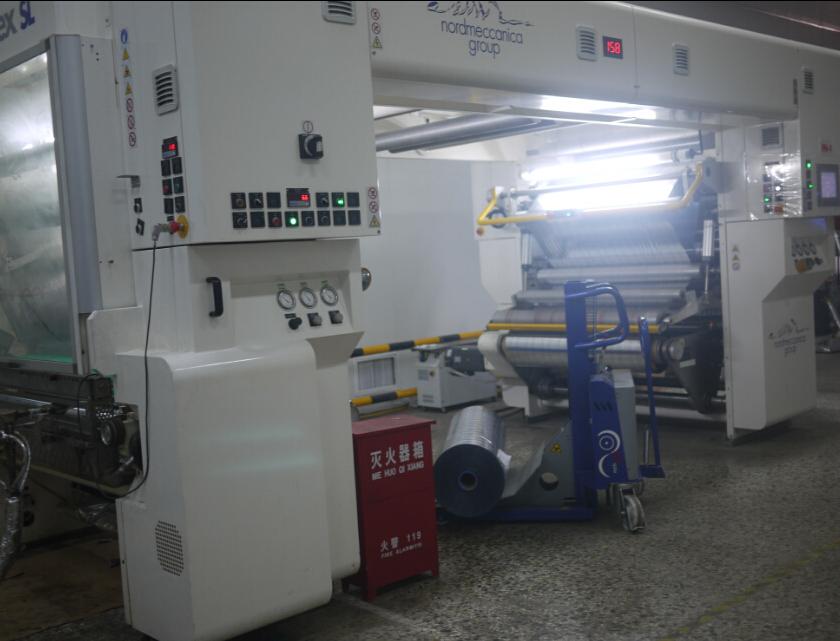 En mai 2013, Deux ensembles de solvant la plastifieuse de l'Italie was mis en service.